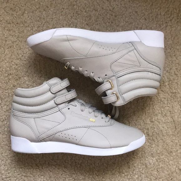 8abd198d297f Reebok Sneakers - Freestyle HI Muted. M 5adca1d750687cc1e6fe708f